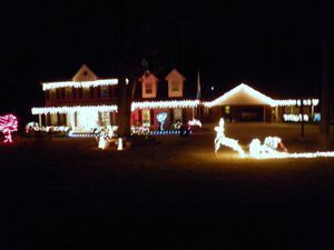 Christmas Light Hangers For Gutters With Mesh Or