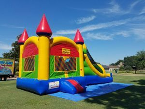 Multicolor Castle Dry Combo Bouncer