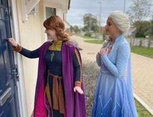 doorstep visit Elsa Anna frozen Essex
