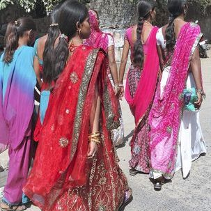 "src=""australian womens travel.jpg alt=womens tours,women on their way to the festival, rajasthan , India"