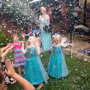 Singing Elsa Party Essex, London, Kent www.theonlywayisentertainment.com