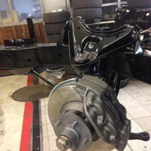 4 Kolben Bremsanlage mit Innenbelüfteten Bremsscheiben