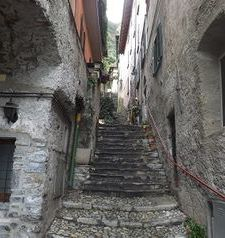"ravel, tiny passgaeways, varenna, lake como, italy"">"