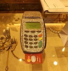 "ravel, bling eftpos machine, bellagio, lake como, italy"">"