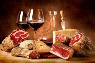 Food, Wine and traditional dishes
