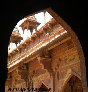 "src=""australian womens travel.jpg alt=womens travel,view though archway at fatesphur sikri , India"