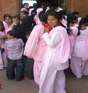 "src=""australian womens travel.jpg alt=womens travel,students in pink, fatesphue sikri , India"