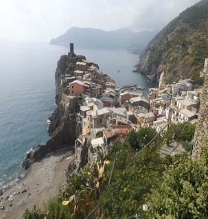 "ours.jpg alt=view on arrival into Vernazza from Cornelia, cinque terre, italy"">"