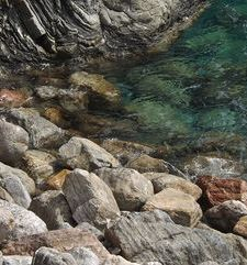 "ours.jpg alt=womens travel, rocks and crystal clear water,monterosso al mare, cinque terre, italy"">"