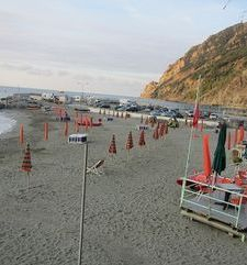 "ours.jpg alt=womens travel,evening on the beach, monterosso al mare,cinque terre, italy"">"