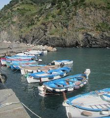 "ours.jpg alt=fishing boats in the bay, vernazza, cinque terre, italy"">"
