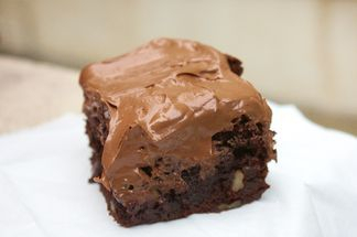 Brownie with chocolate and caramel
