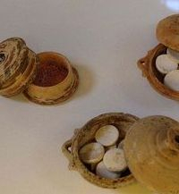 Make up vases with powder found in excavations from graves in Ancient Greece
