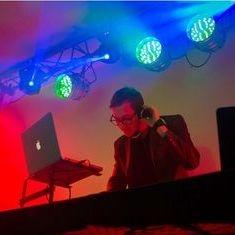 Eu sunt Claudiu / DJ Ezzy!