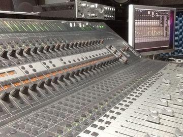 Nashville Recording Studio Nashville Trax mixing board