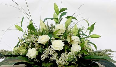 Top table flower arrangement
