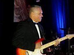 Michael Dones/ Guitar