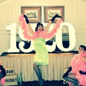 Roaring 20's Flapper Girls