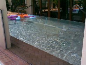 Large panels od glass