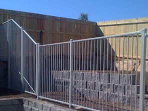 Custom flat top fencing