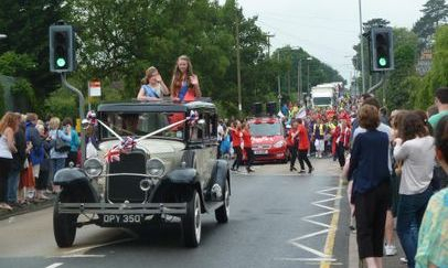 Leading Flitwick Carnival