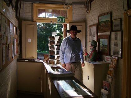 Peter Fitzsimons entering the museum