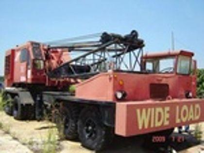 Manitowoc 2900 T Series II / Lattice Truck Crane