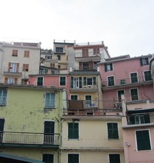 "ours.jpg alt=detail of houses,vernazza cinque terre, italy"">"