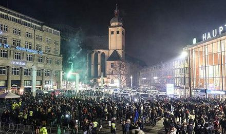 Migrants sex attacks throughout Germany in NYE
