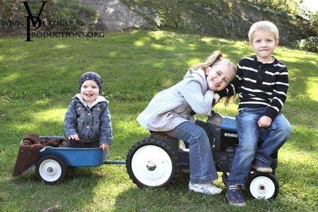 vertigo productions photography, brockville family photographer, gananoque family photographer, family photographer