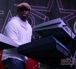 BluesBQ Jermaine on keys
