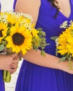 sunflower & baby's breath bridesmaids bouquets