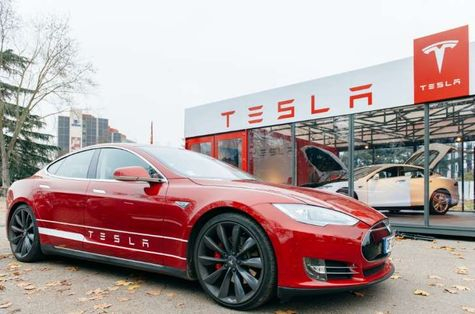 © Moneyweb … Tesla Motors's all-wheel-drive version of the battery-powered Model S, the P85D, earned a 103 out of a possible 100 in an evaluation by Consumer Reports magazine.