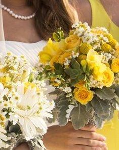 gerbera daisy bridesmaids bouquets