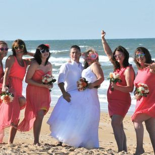 Si Como No Is what Beach Weddings are made of