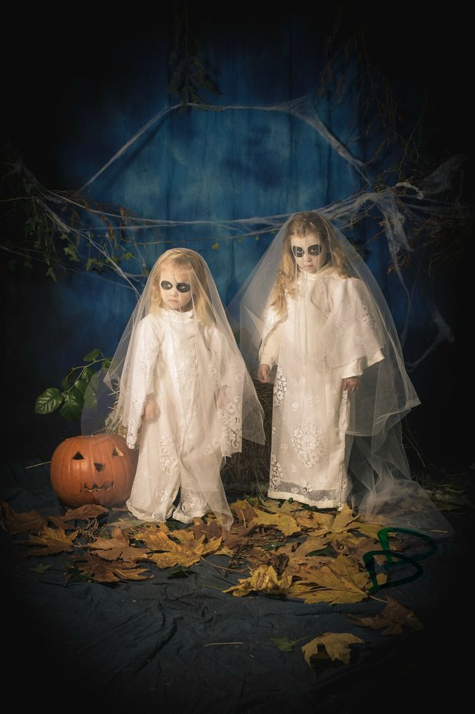 scary sister ghost costumes for Halloween