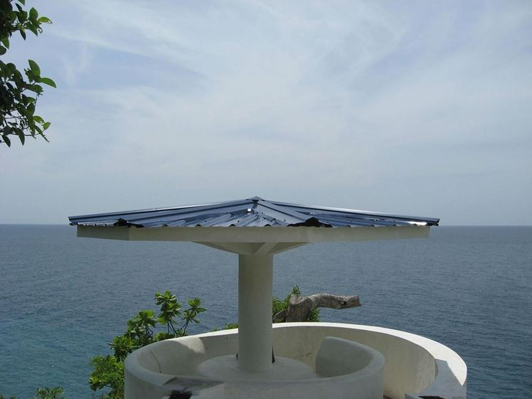 Gazebo on the Cliff  Rate:  P75 pesos per pax